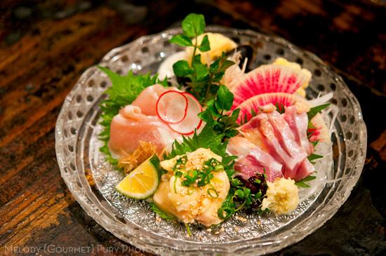 Chicken sashimi plate at Yakitori Akira Grilled Chicken Restaurant 焼鶏 あきら in Naka-meguro, Tokyo Japan